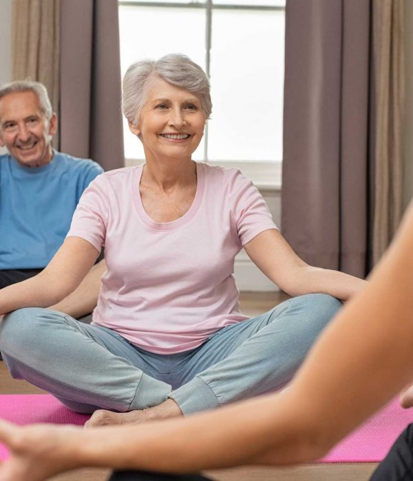 old-couple-sitting-lotus-position